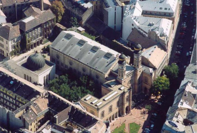 Aerial view of the Dohány Street Synagogue