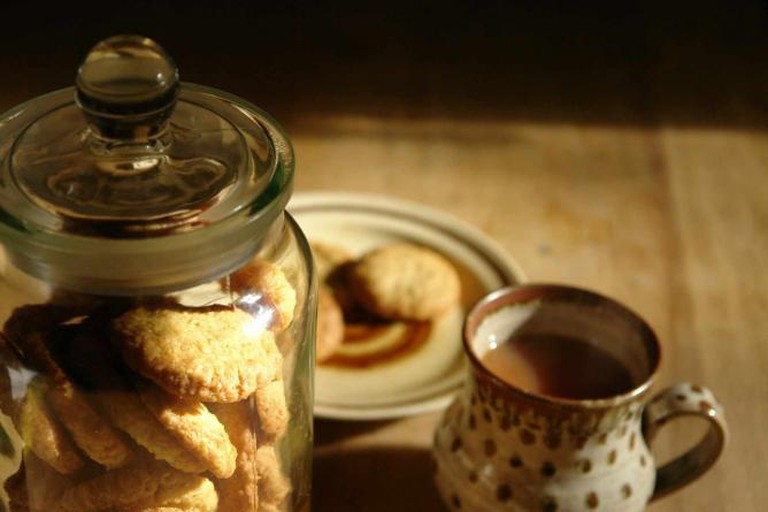 Tea and cookies | © H is for Home/Flickr