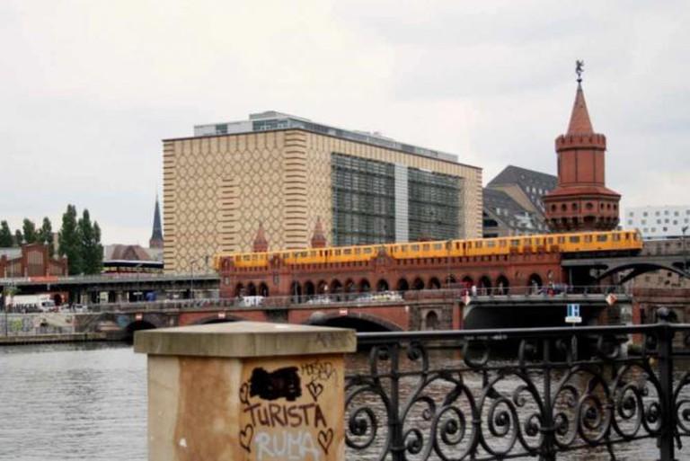 U-bahn on Spree, Berlin | © Adriana Tourny