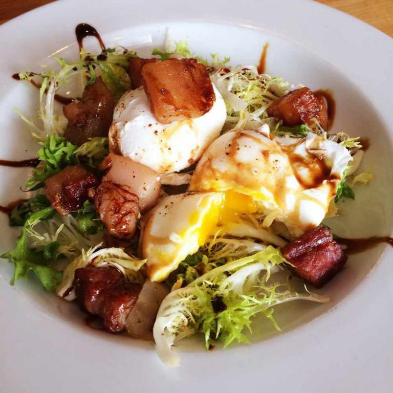 Chicory Salad, Poached Egg, Lardons | © Larry Conlin/Flickr