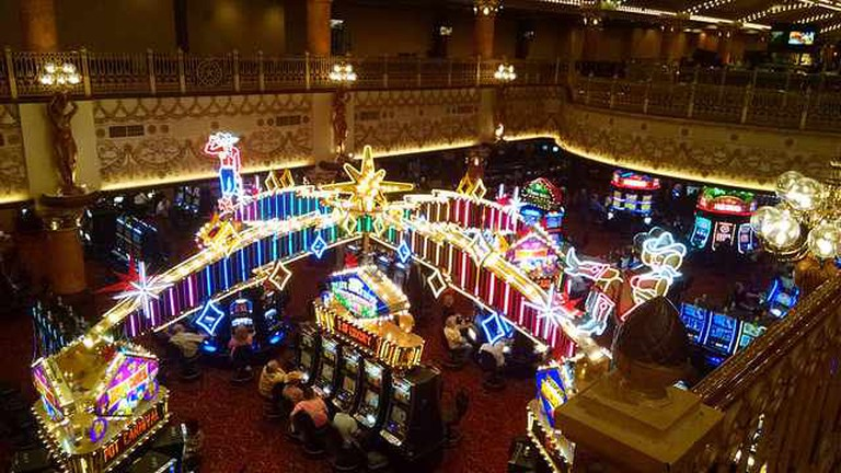 Inside Glance at the Casino at Ameristar Kansas City
