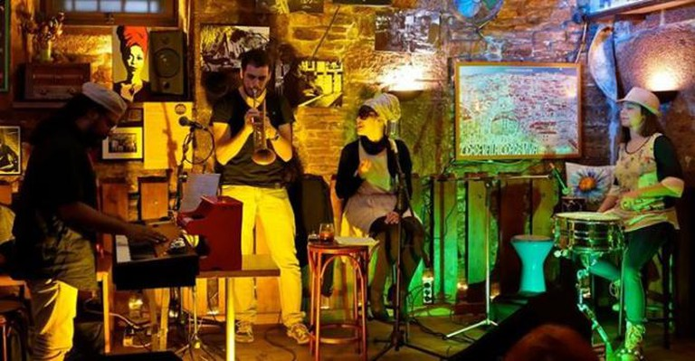 Live music | Courtesy of Borriquita de Belém