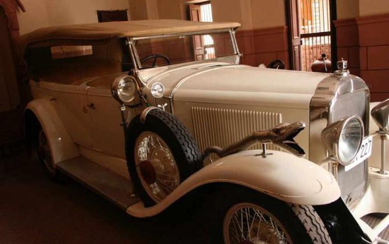 Vintage Car, India | © Nagarjun Kundukuru/Flickr