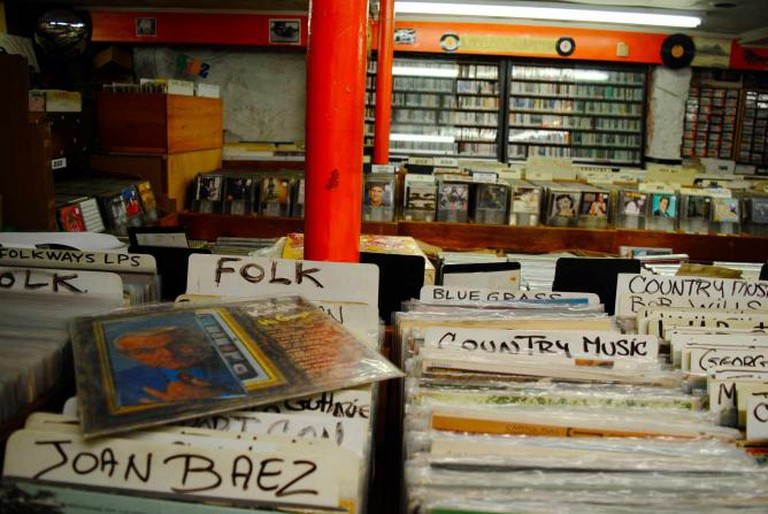 Records and discs for sale at In Your Ear | © Alyssa Erspamer