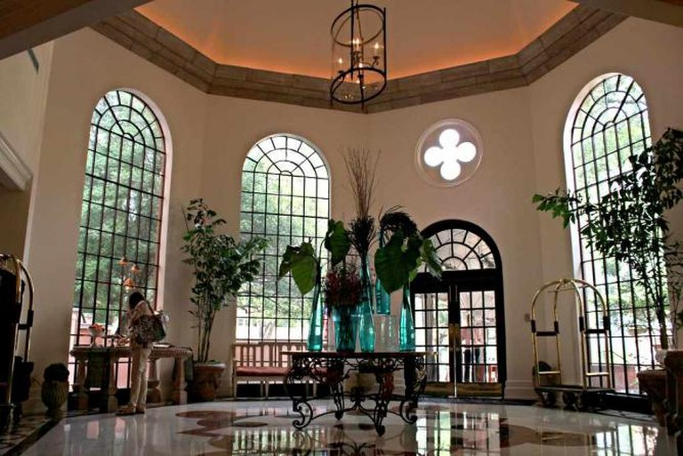 An interior shot of the lobby at the Rosewood Mansion.