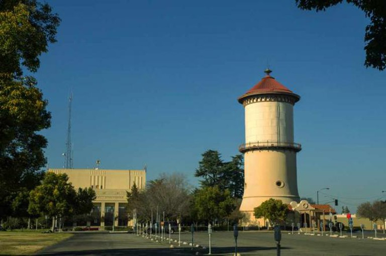 The Old Fresno Water Tower (the real one) | © Wayne Hsieh/Flickr
