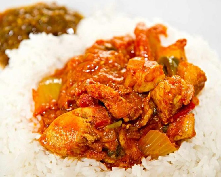 Mumtaz cuisine includes the chicken dopiaza dish.