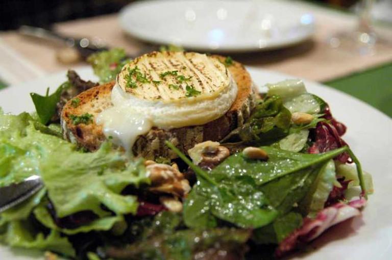 Cabecon de Rocamadour et Salade, Comme á la Maison, Akasaka | © Yuichi Sakuraba/Flickr