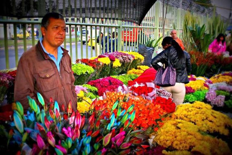 Flowers at Plaza de Mercado Paloquemao| © TheRealBogota/Flickr
