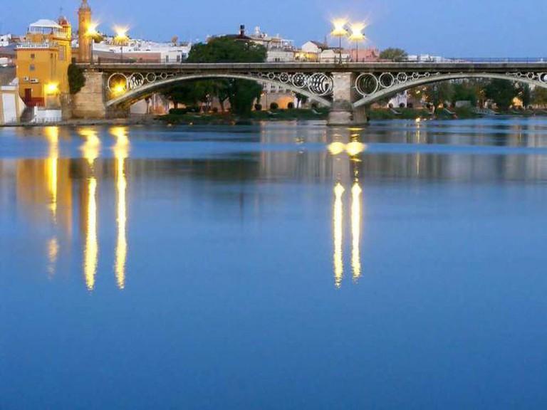 Triana Bridge, Sevilla | © Juan Antonio Canales/Flickr