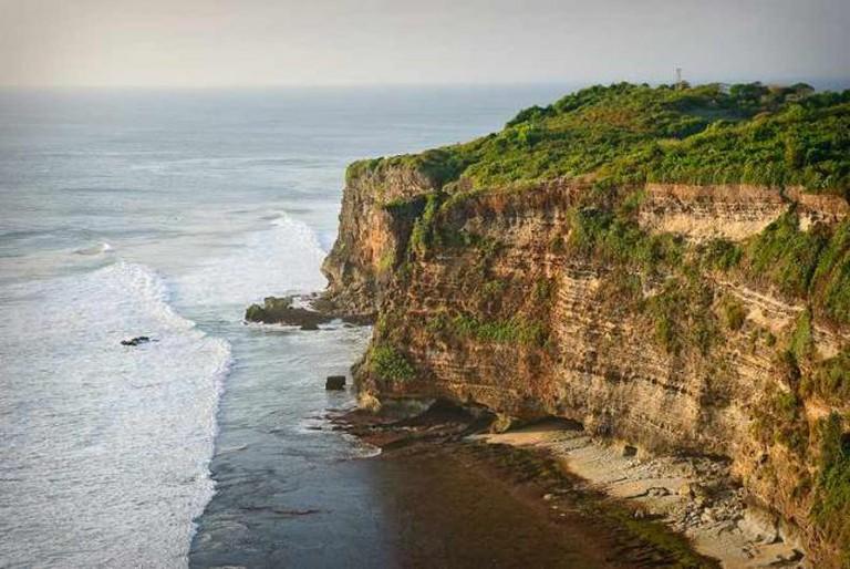 Uluwatu Cliffs | © JosDielis/WikiCommons