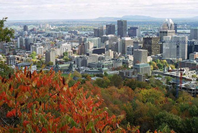 Downtown Montreal from Mont Royal's peak   © Wikipedia Commons