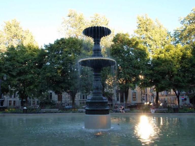 Square Saint-Louis Fountain   ©Emmanuel Milou