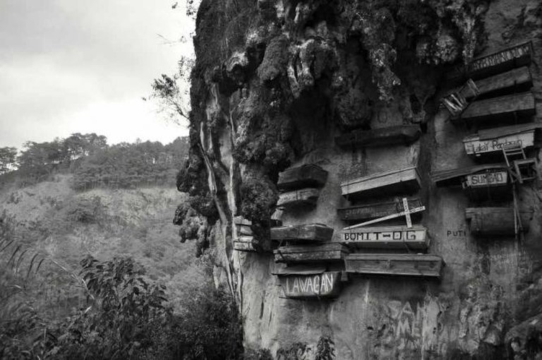 Hanging coffins at Sagada, Philippines | © Madeleine Deaton/Flickr