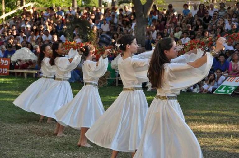 Israeli folk dancing