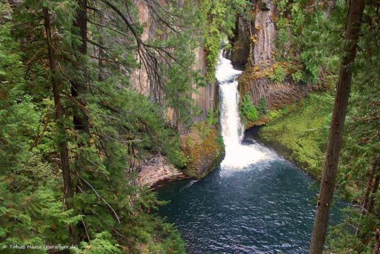 Toketee Falls, Douglas County | © Tobias/Flickr