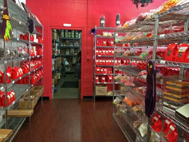 Inside the Blommer Chocolate Shop | © Benita Gingerella