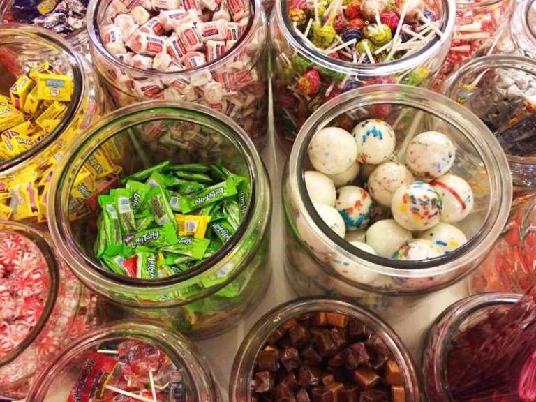 Candy jars at Candyality | © Benita Gingerella