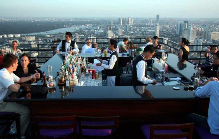 Moon Bar at Vertigo | © Travel Aficionado