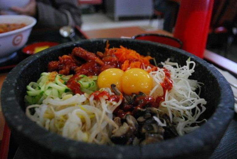 BBQ Chicken Dolsot Bibimbap | © Alpha/Flickr