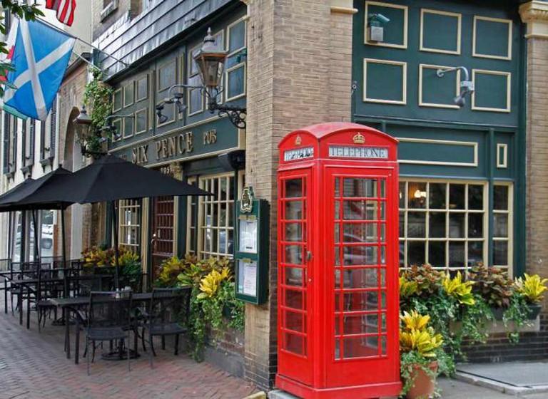 Six Pence Pub | © David/Flickr