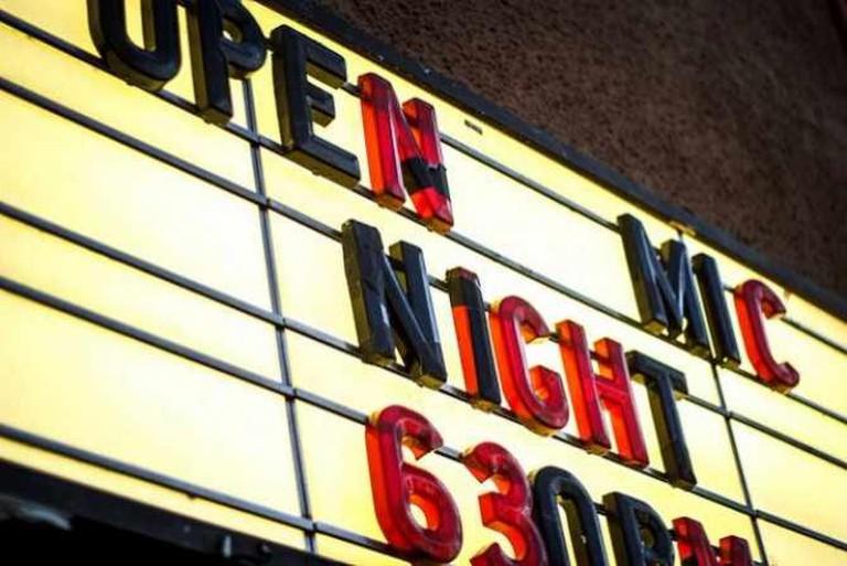 Open Mic at Lestat's!   © Noel Reinhold/Flickr