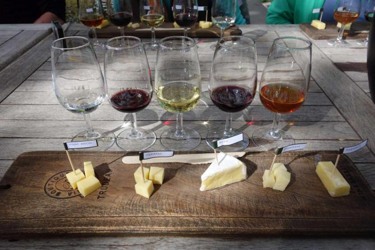 Five wines paired with cheese | © Alf Igel/Flickr