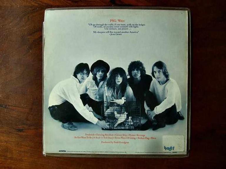 Backside Patti Smith Group – Wave