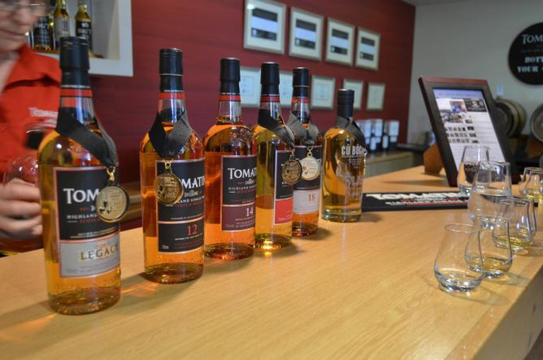 Tasting at the Tomatin distillery