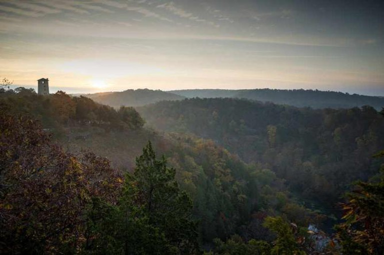 Fall sunrise over Ha Ha Tonka State Park, Camden County | © Heath Cajandig/Flickr