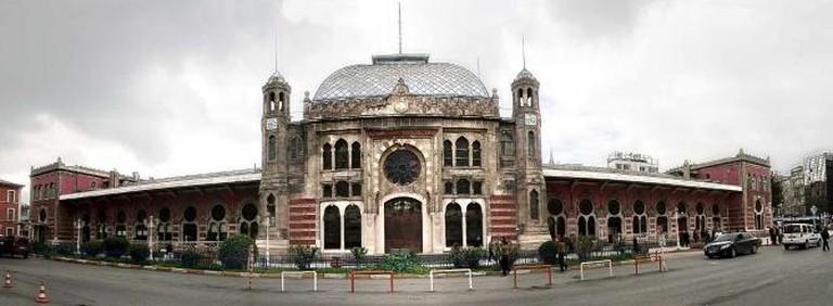 Istanbul Sirkeci Terminal | © Bahnhofsfront-Istanbul-Sirkeci.jpg: Martin Dürrschnabel/WikiCommons