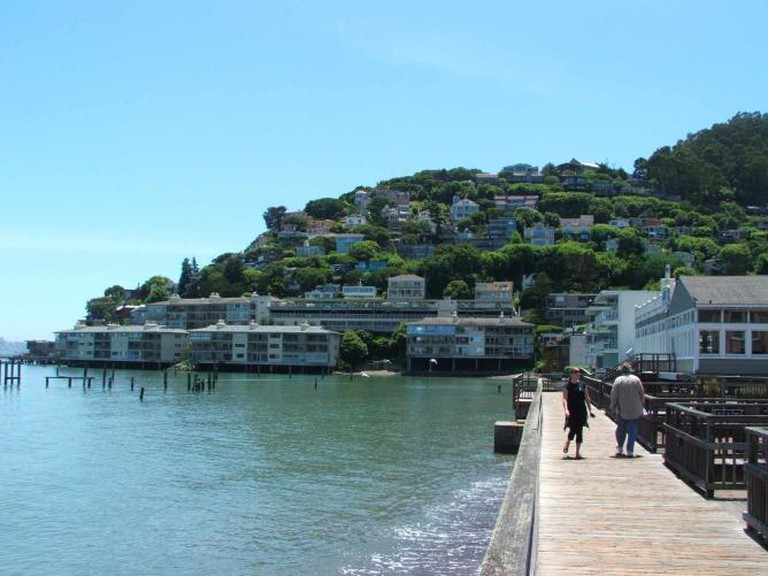 Fred's Place Waterfront I ©Wikimedia Commons