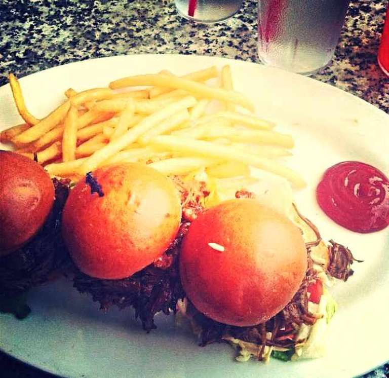 Mini Sliders from Burger Bar SF | © Seleba Ouattara