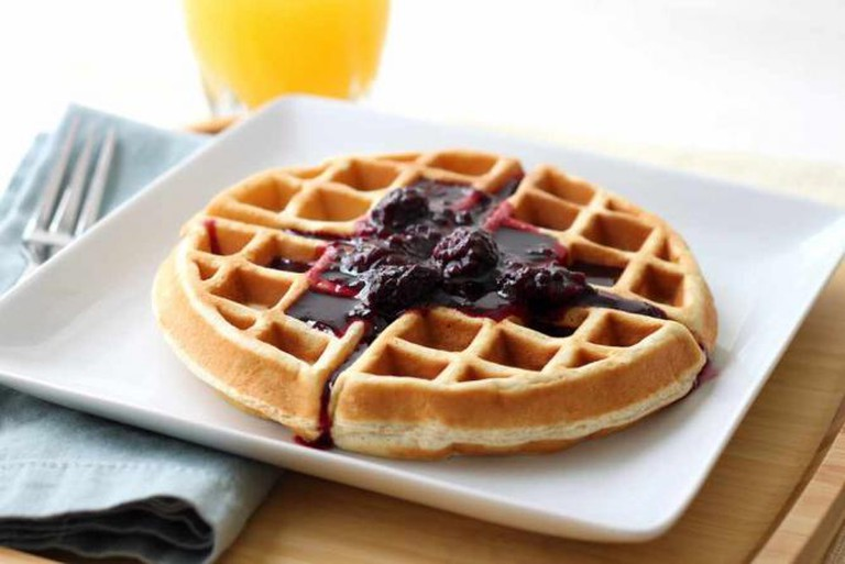 Waffles with Blackberry Syrup | © Emily Carlin/Flickr