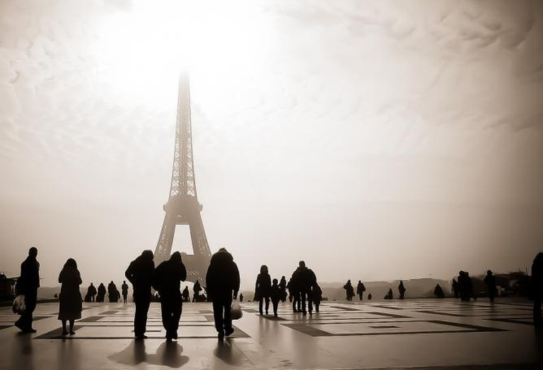 Eiffel Tower in the fog | ©Andrés Nieto Porras/Flickr