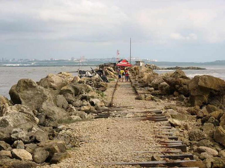 Tajamar oriental de Bocas de Ceniza   © José David Villalobos / WikiCommons