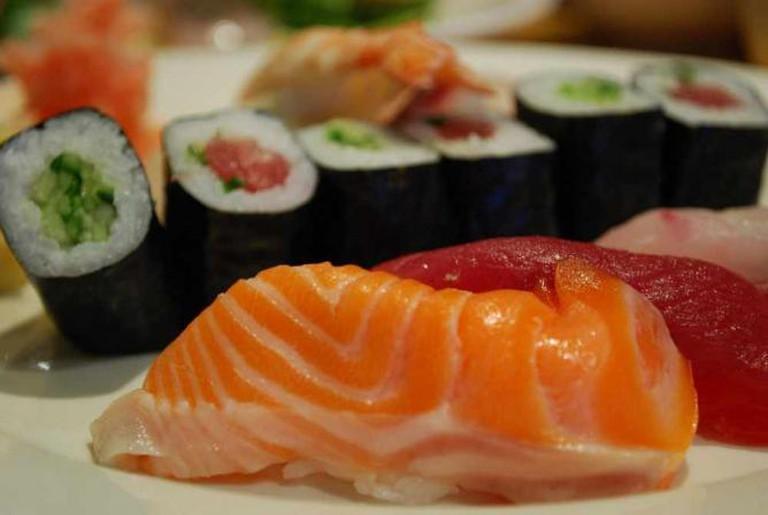 Salmon nigiri sushi | © Alpha/Flickr
