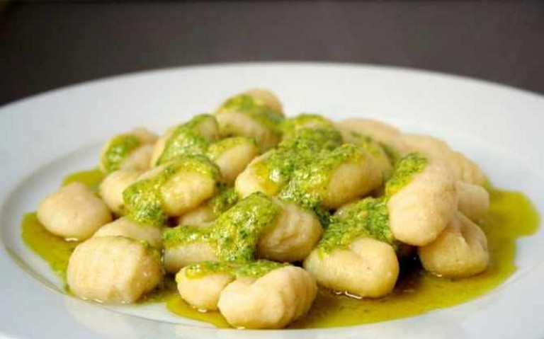 gnocchi with sage pesto | © Cooking etc./Flickr
