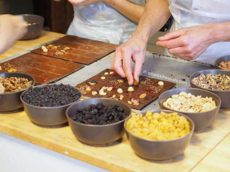 Making chocolate with Laurent Gerbaud | © smarksthespots.com