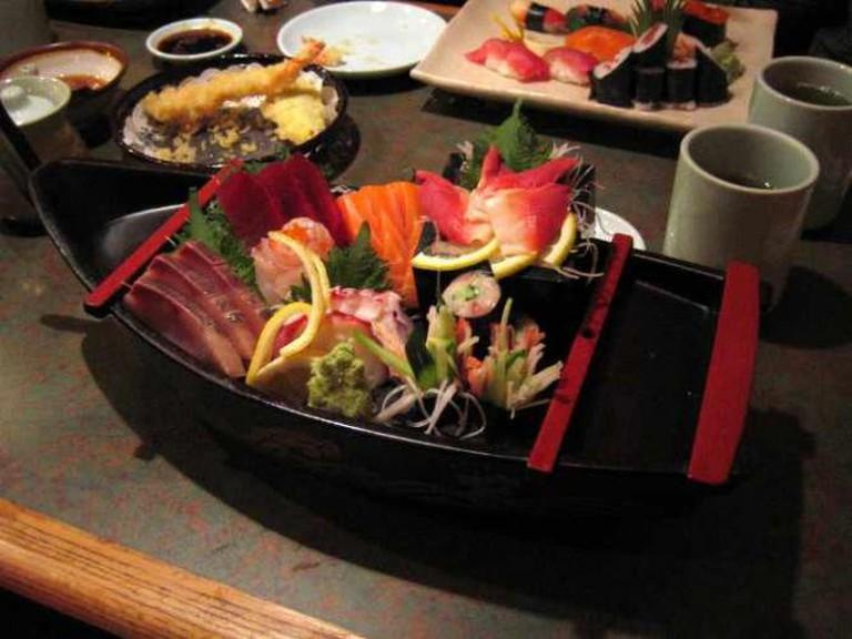 Sushi boat | © Paul Downey/Flickr