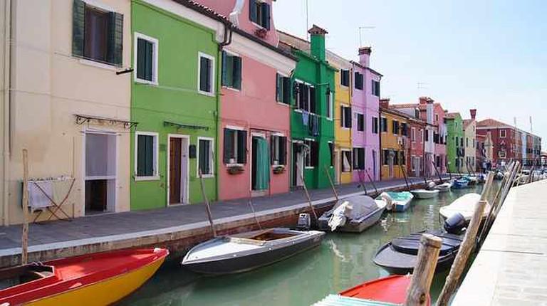 Burano, Italy   © charlemagne/Pixabay