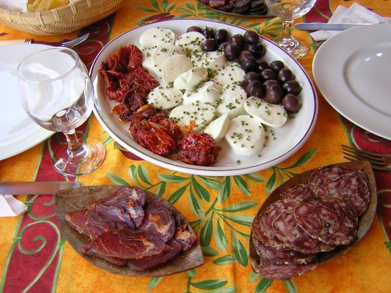 Some hors d'oeuvre | © Bdieu/Wikicommons