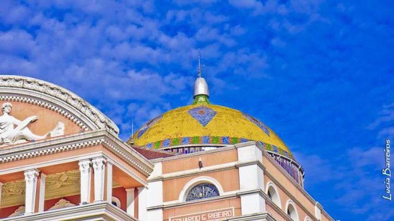 Detalhe da parte alta do Teatro Amazonas I © lubasi/Flickr