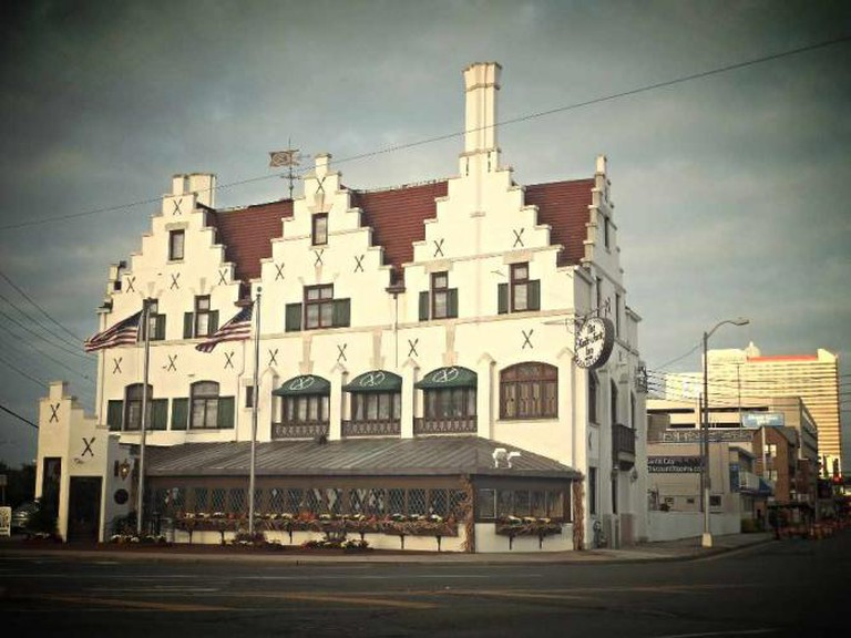 The cute and historical Knife & Fork Inn