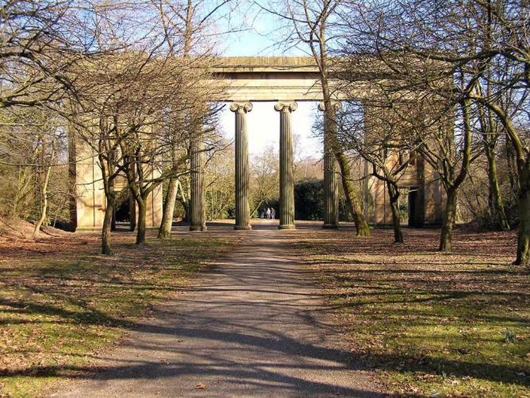 Heaton Park - Town Hall Colonnade © David Dixon/WikiCommons