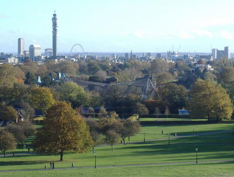 Vista of Central London from Primrose Hill
