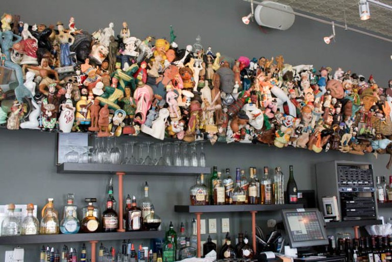 The sculpture behind the bar on the first floor of Taylor's People's Park | © James Carlson/Flickr