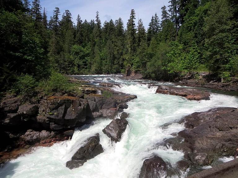 River flow / David Stanley / Flickr