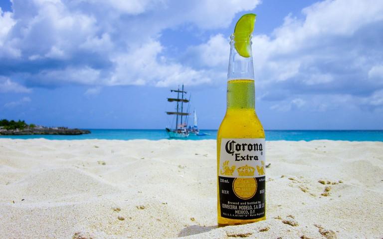 Beer on the beach © stokpic/pixabay