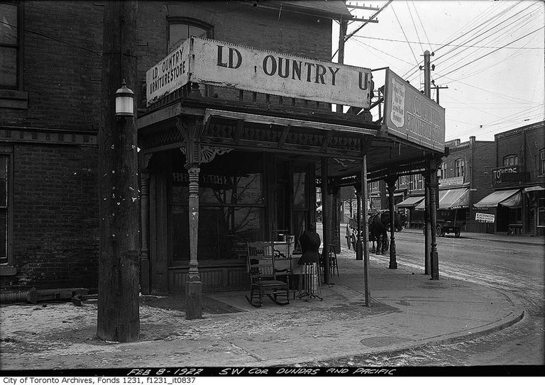 South-west corner of Dundas Street and Pacific Avenue | © Toronto History/Flickr